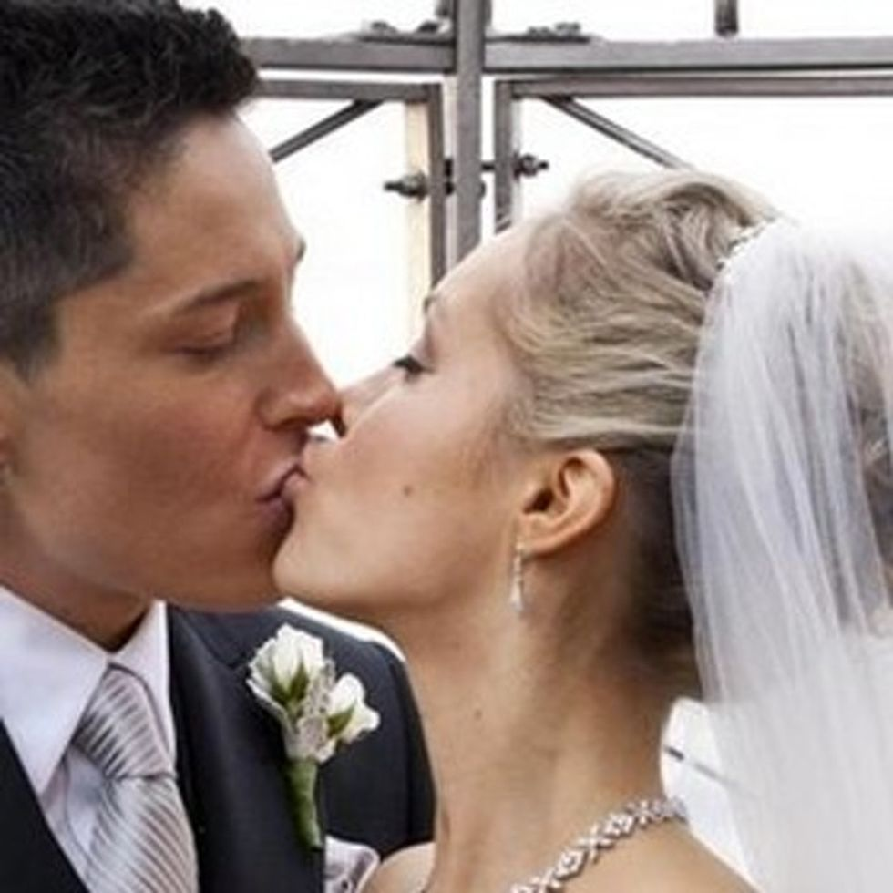 Fox News Endorses Straight Marriage, Falls Into A Gay Marriage By Accident