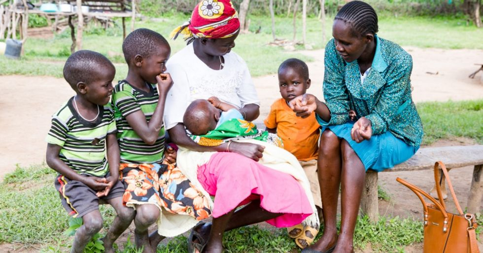 In rural Kenya, women's healthcare can be hard to access. This program is changing that.