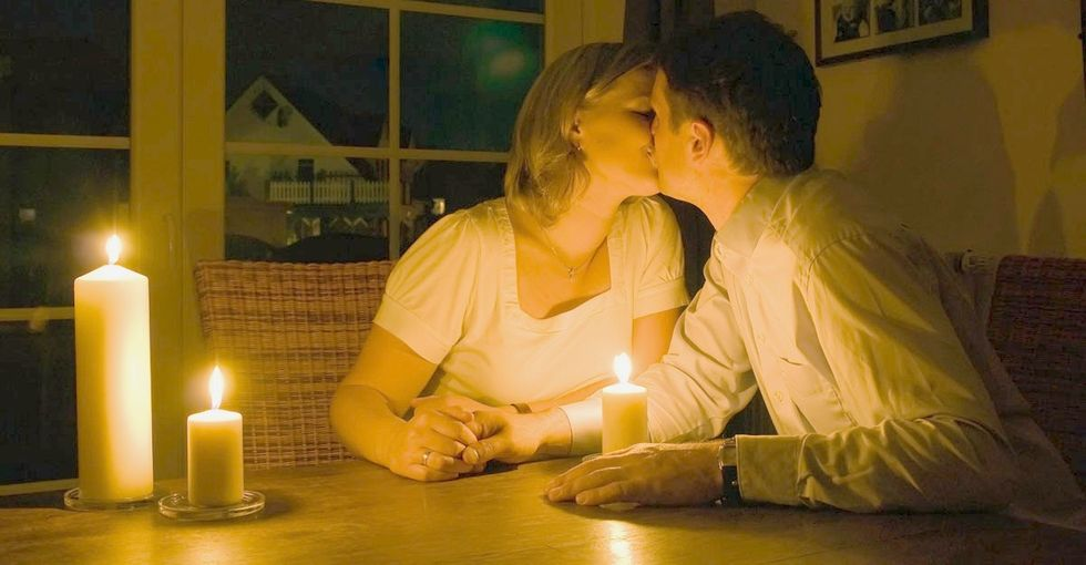 2 women get ready for their dates. Here's why only 1 of their nights ends well.