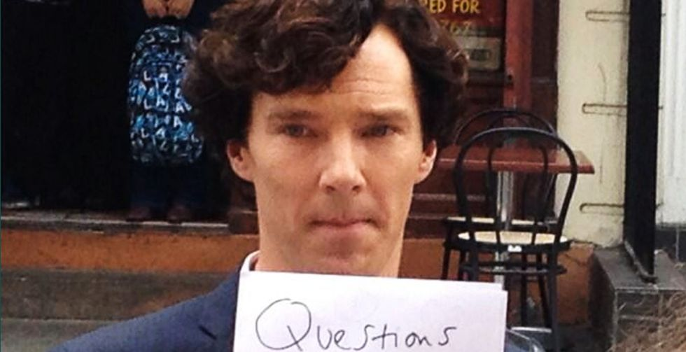 We love this British actor. We love him even more after he held up these bits of paper.