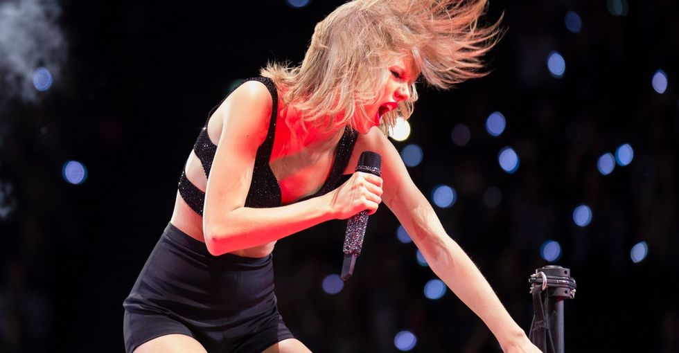 A little girl chose 'Bad Blood' as her cancer fight song, so Taylor Swift decided to help out.