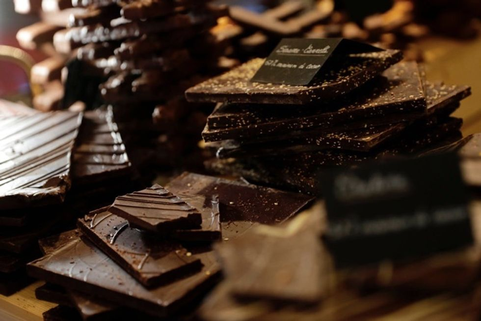 31 Days of Happiness Countdown: the mesmerizing process of making chocolates. (Day 23)