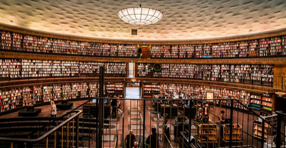 9 stunningly beautiful libraries to see before you die.