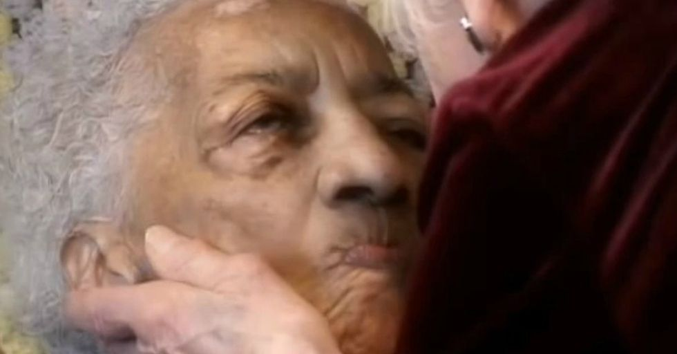 You'll Be Amazed How Just A Song Could Break Through To This Woman With Alzheimer's