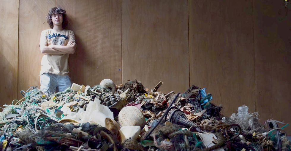A 19-year-old knows how to remove 154 million pounds of garbage from the ocean in just 10 years.