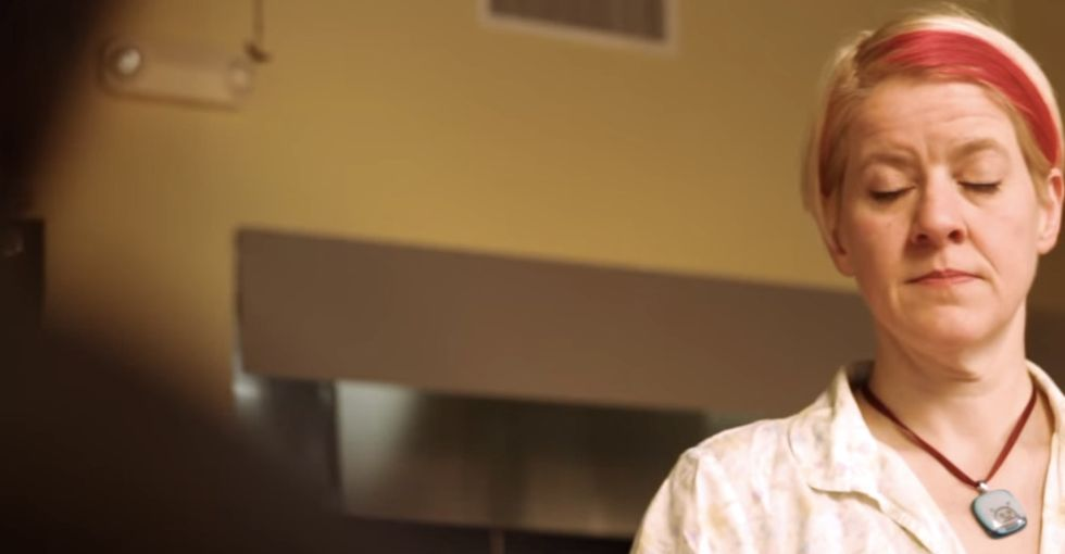 A customer wants to make a waitress' life miserable. So the waitress blurts out the truth.