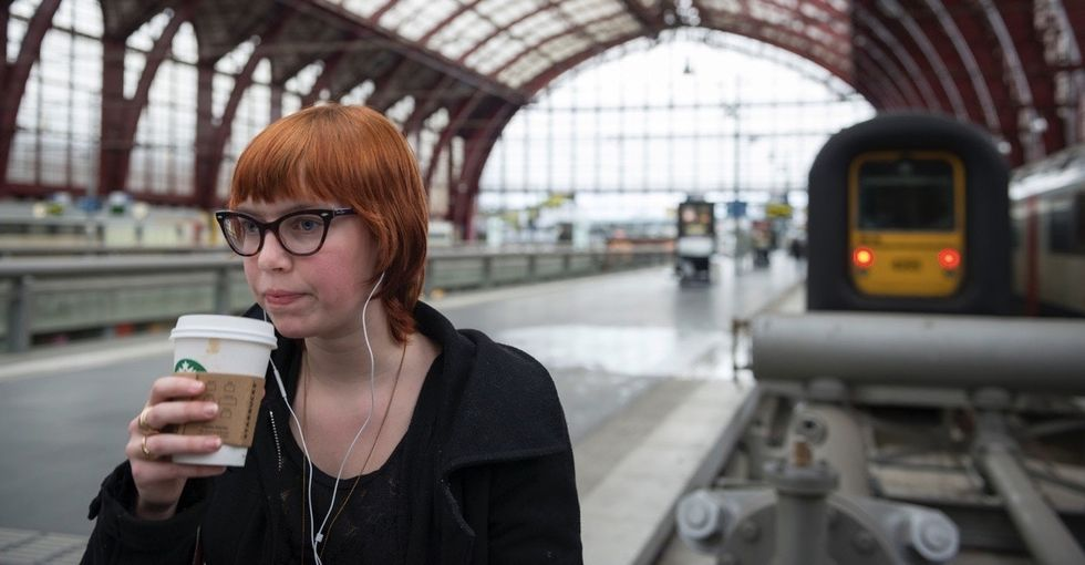 Advice for talking to women wearing headphones ignores why women wear headphones.