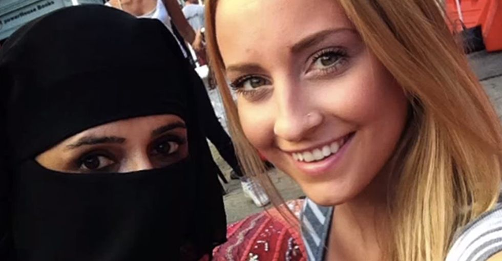 2 Women. 1 Selfie. 1 Hijab. Now Tell Me Which One Needs Liberating.