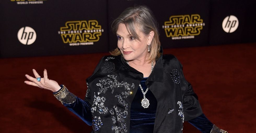 Carrie Fisher takes down body-shamers in just 2 tweets.