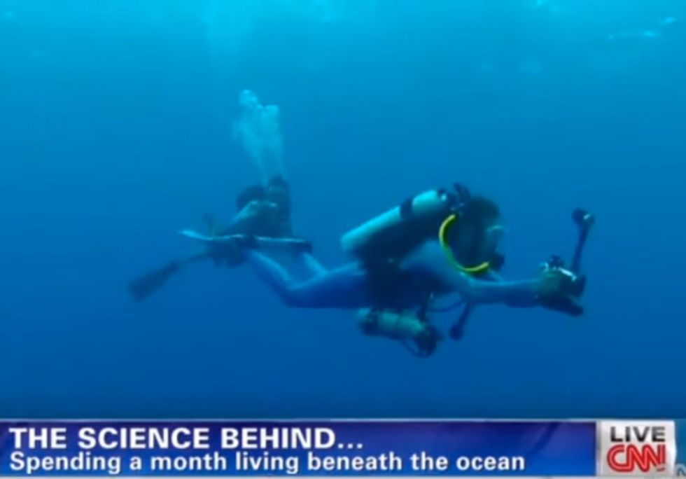 A Dude Is Living Under The Sea For 31 Days So He Can Show The World What's Disappearing