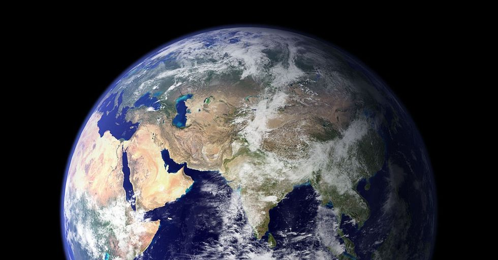 A Bunch Of Quick Facts You Probably Didn't Know About Earth. And A Few Things No One Knows.
