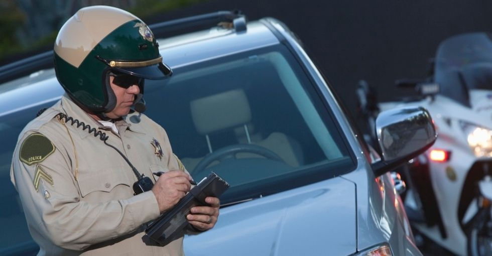 When An Officer Asks For Your License And Registration, I Bet You've Never Thought To Do What He Did