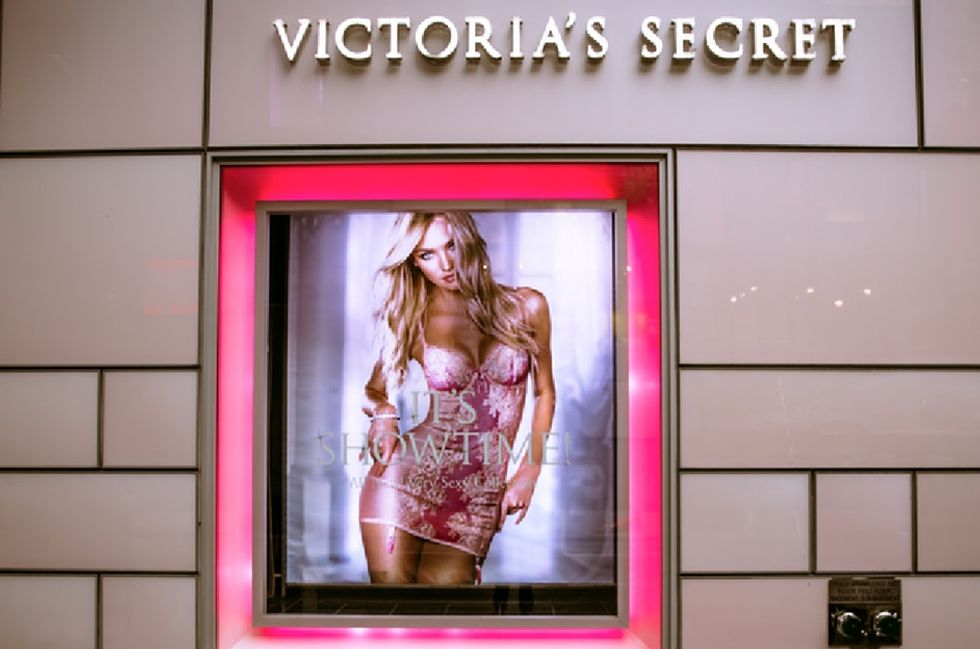 The sharp response 'SNL' gave Victoria's Secret after they banned a mom from breastfeeding in store