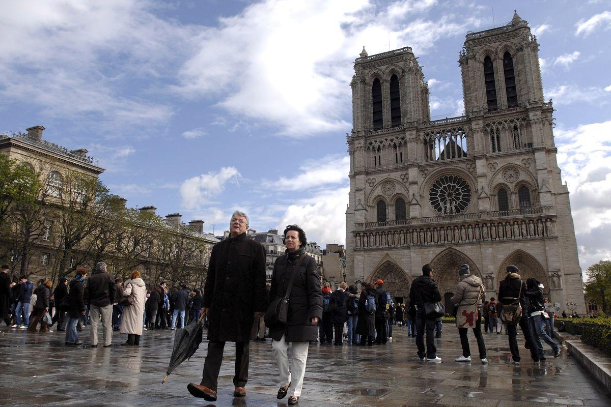 Parigi non aveva assicurato la cattedrale