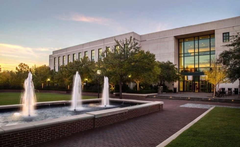 https://today.cofc.edu/2015/01/20/south-carolina-historical-society-officially-reopens-colleges-addlestone-library/