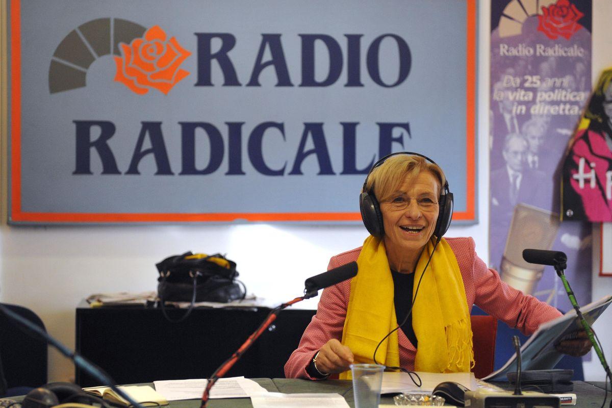Ma perché bisogna dare soldi pubblici alla radio dei Radicali?