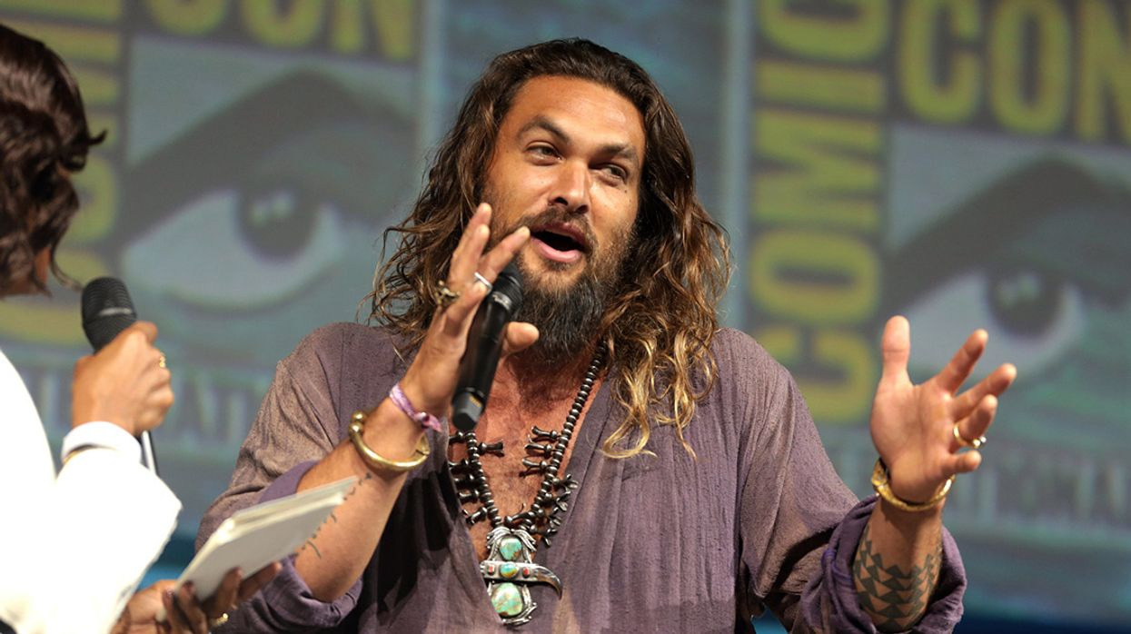 Acquaman Actor Jason Momoa Shaves His Beard to Promote Aluminum Cans Over Plastic Bottles