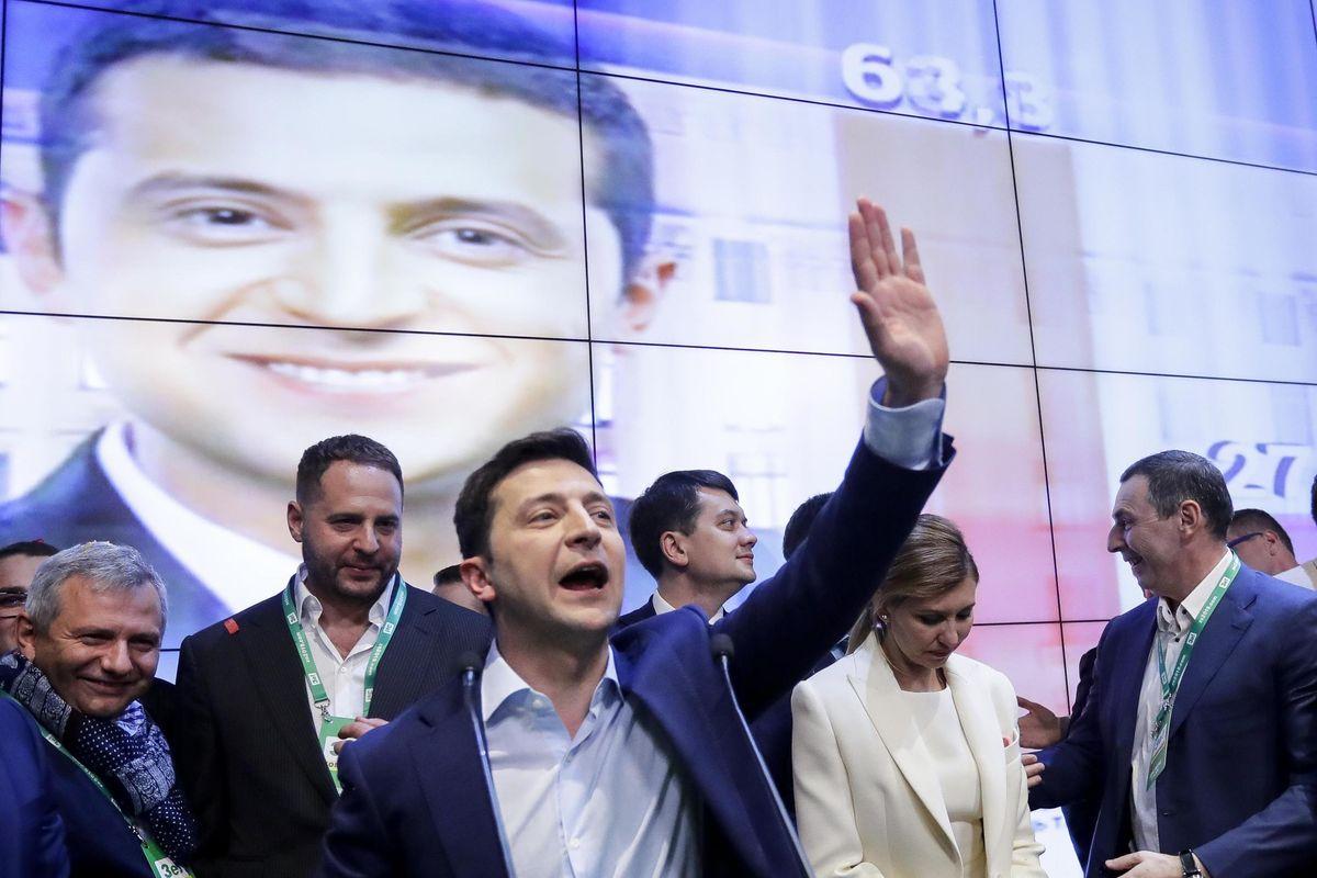 Dopo Slovenia e Guatemala, un comico vince le elezioni in Ucraina (ma senza seggi in Parlamento)
