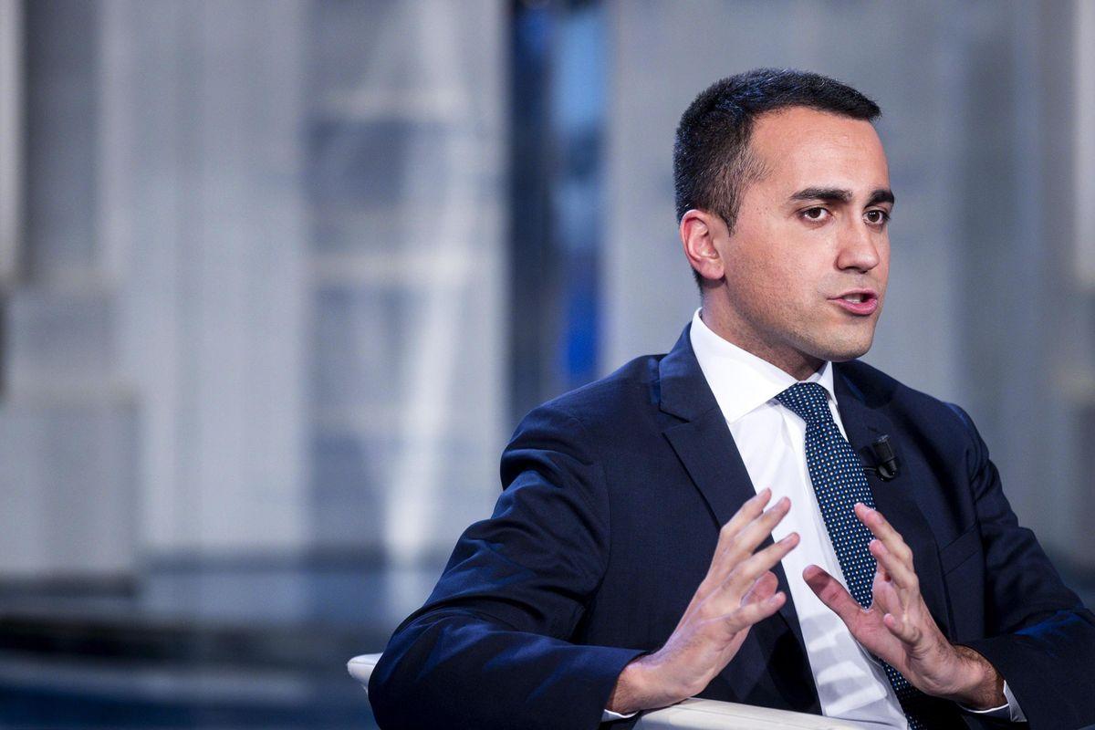 Di lotta e di governo. Di Maio a Taranto rischia di smontare l'accordo sull'Ilva