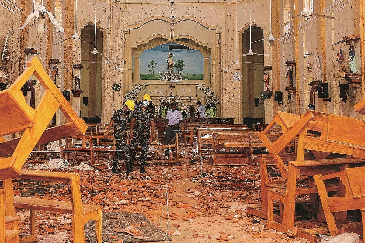 Due giorni di bombe islamiche contro chi entra in chiesa. Sri Lanka tomba dei cattolici