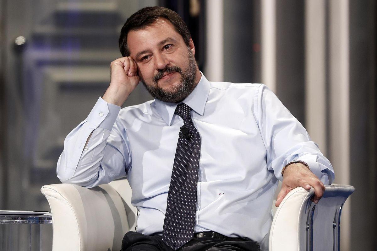 Salvini: «Cambio Rai, giustizia e tasse: altro che crisi»