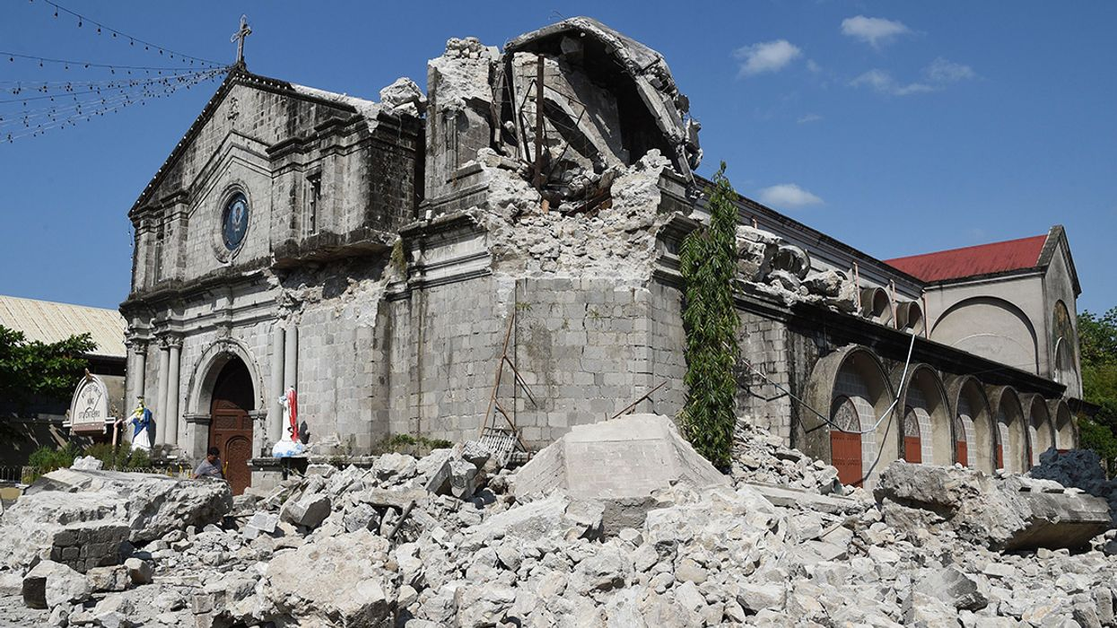 Philippines 6.1-Magnitude Earthquake Leaves at Least 16 Dead
