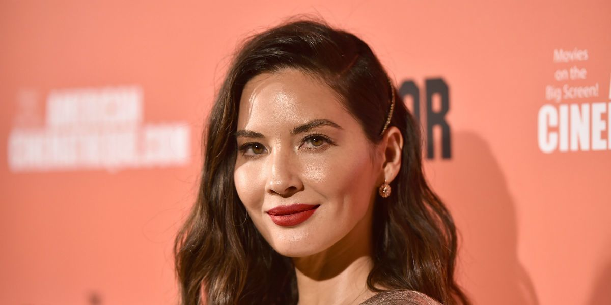 Olivia Munn Calls Out The Fug Girls For Criticizing Her Outfits