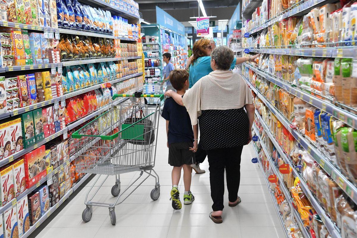 Nei supermercati c'è il Grande fratello. Le telecamere spiano gusti e reazioni
