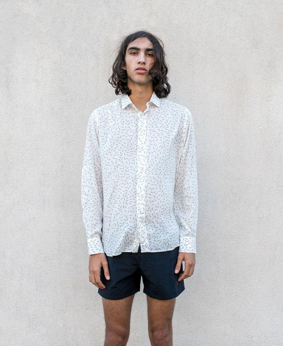 prendas masculinas subvertir el codigo binario camisa