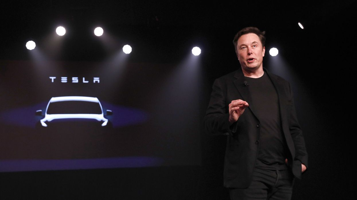 Elon Musk promises fleet of 1 million Tesla 'robotaxis' in 2020