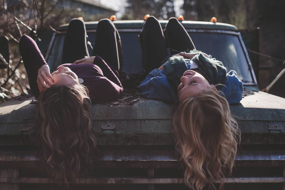 Why Big Friend Groups Are Overrated