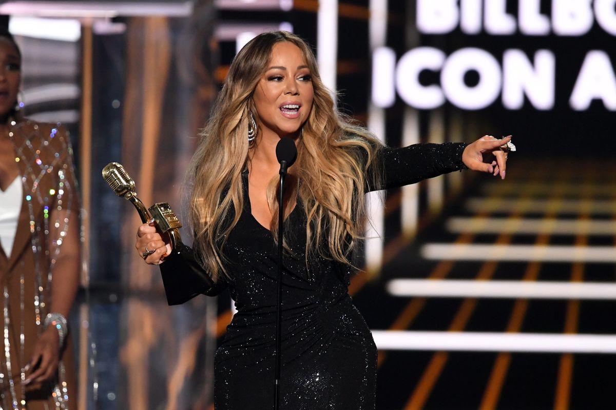 Watch Mariah Carey Accept The Award She Deserves