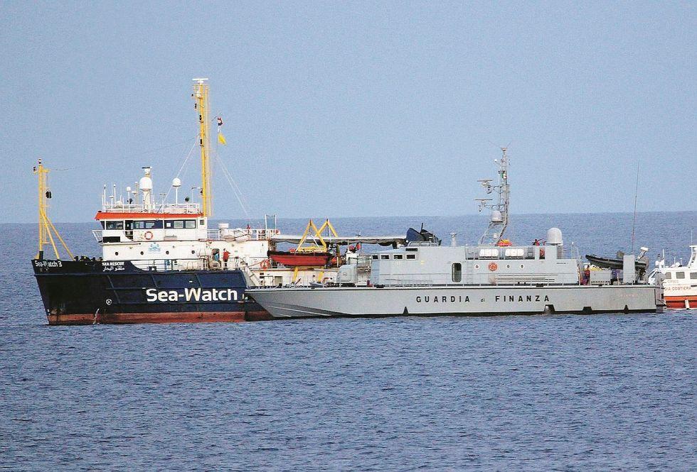 Sea Watch sequestrata, capitano indagato