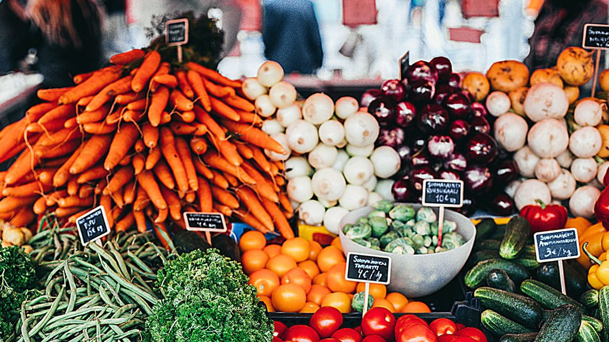 Low-Fat Diets Rich in Fruits and Veggies May Reduce Women's Risk of Breast Cancer Death, Study Finds