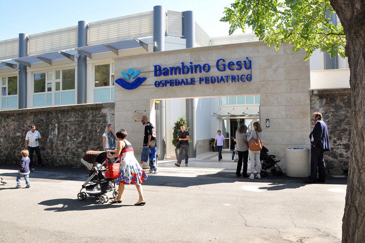 L'ospedale del Papa riceve in segreto il «diavolo» Salvini