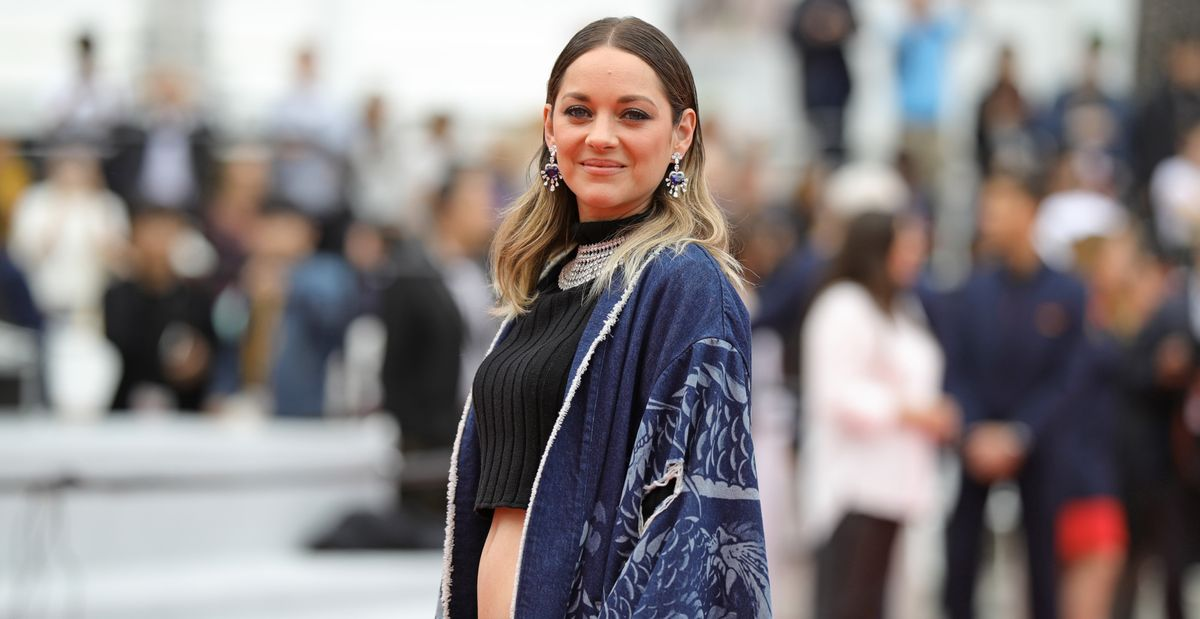 Marion Cotillard Wore A Crop Top And Hotpants To A Cannes Screening