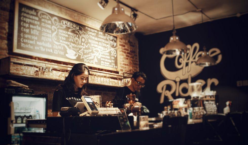 https://www.pexels.com/photo/coffee-shop-702251/