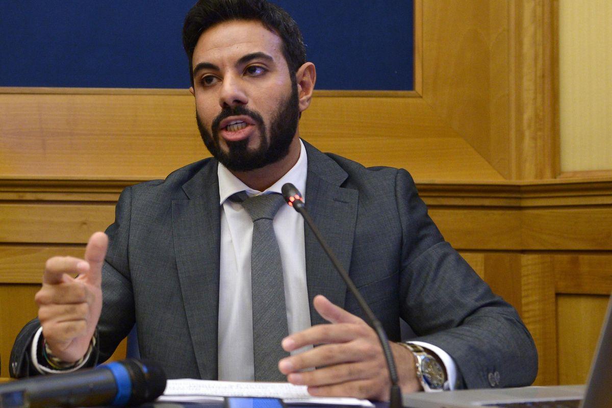 Fischi per Di Maio: i bus dell'Atac prodotti in Turchia grazie al suo Mise