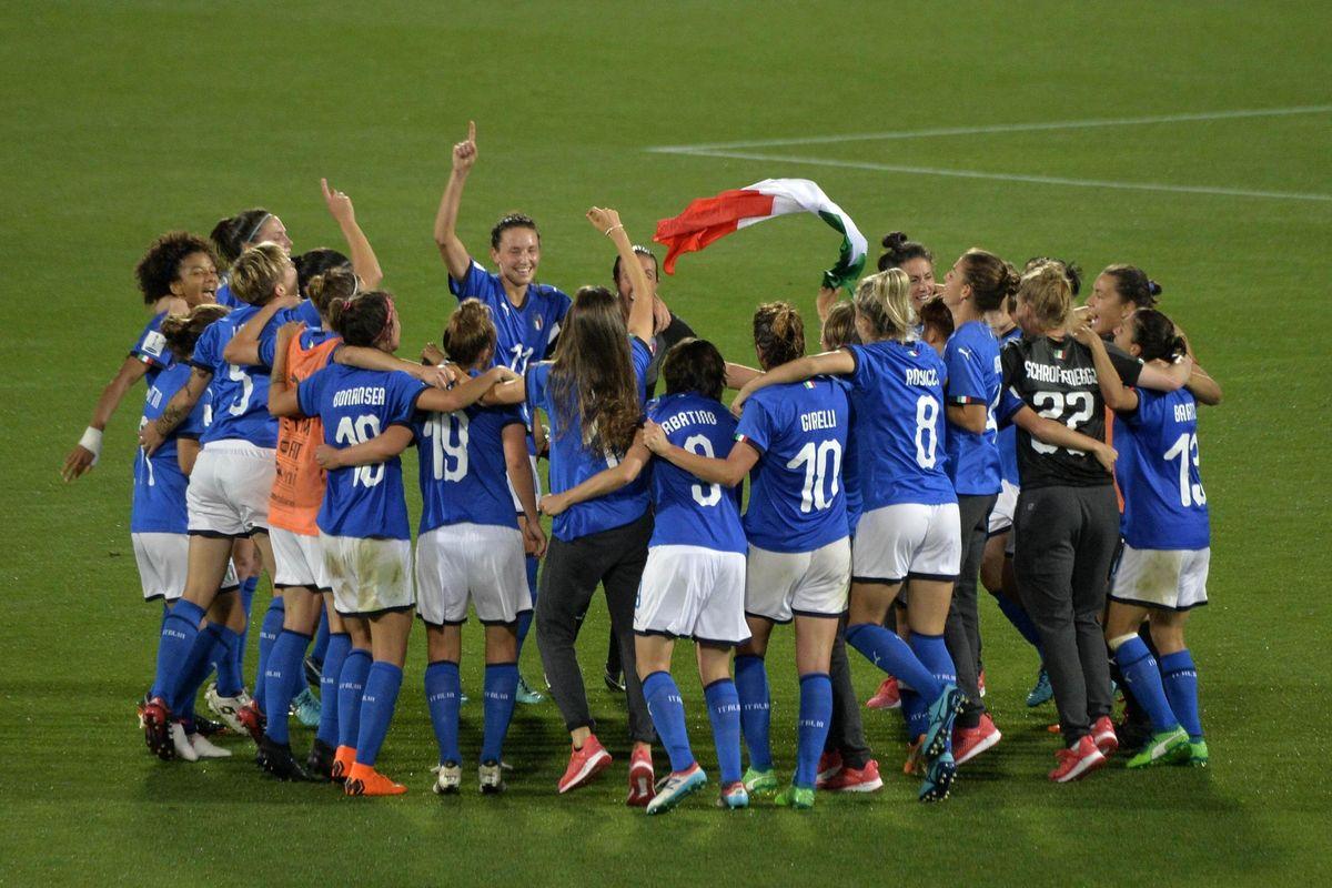 Partono i mondiali femminili.Dopo 20 anni il calcio rosa torna al top
