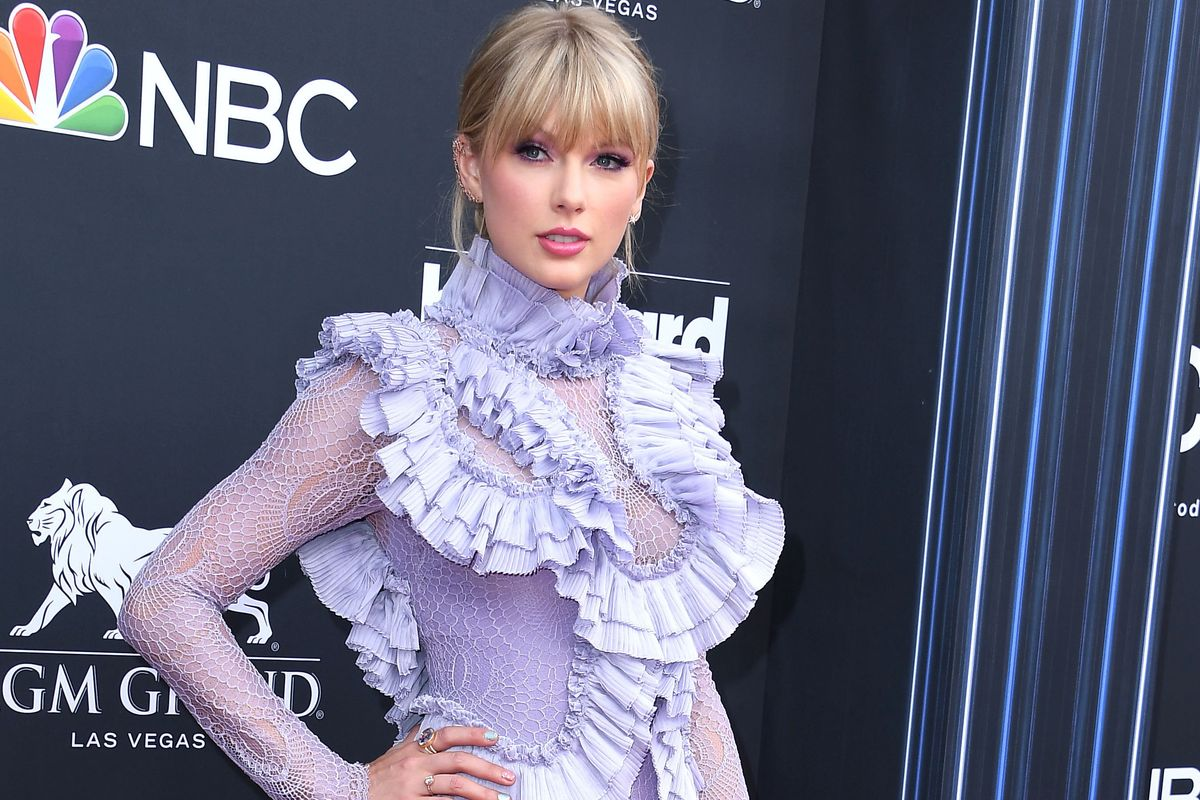 Taylor Swift Refuses to Answer Question About When She's Having Kids