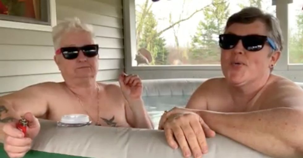These fat old lesbians smoking weed are the only thing worth paying attention to on the Internet.