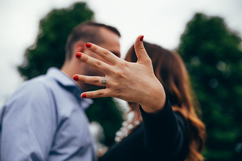 8 Thoughts You Have When You Are Pulled Into A Stranger's Proposal