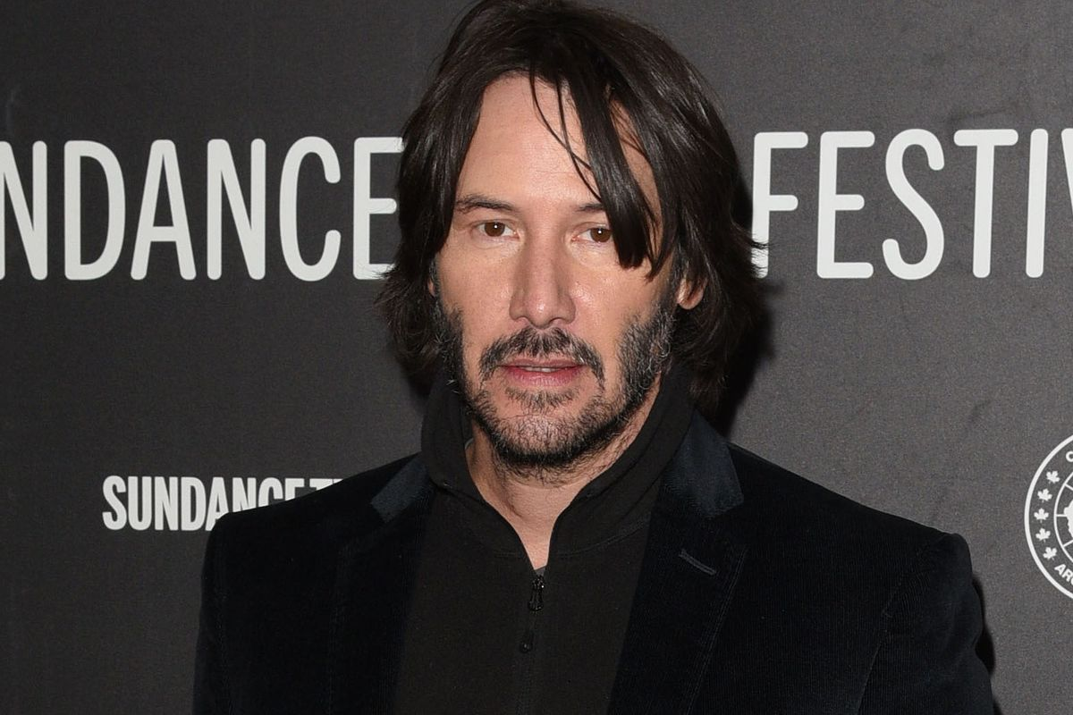 'Lonely' Keanu Reeves Is the Internet's Latest Thirst Obsession