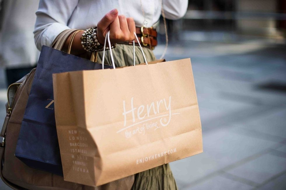 8 Reasons I'll Take In-Store Shopping Over Online Shopping Any Day