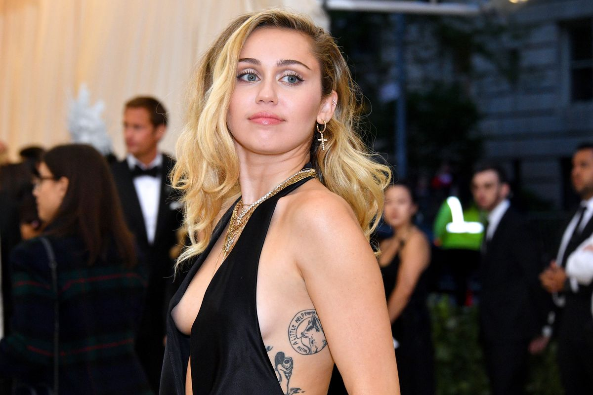 Miley Cyrus Responds to Festival Groping Incident