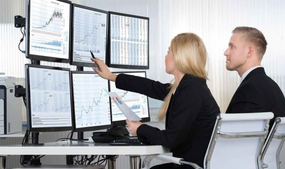 Why Women Excel As Traders