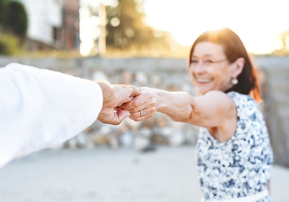 Socially Active Seniors: How to Stay Connected and Make New Friends