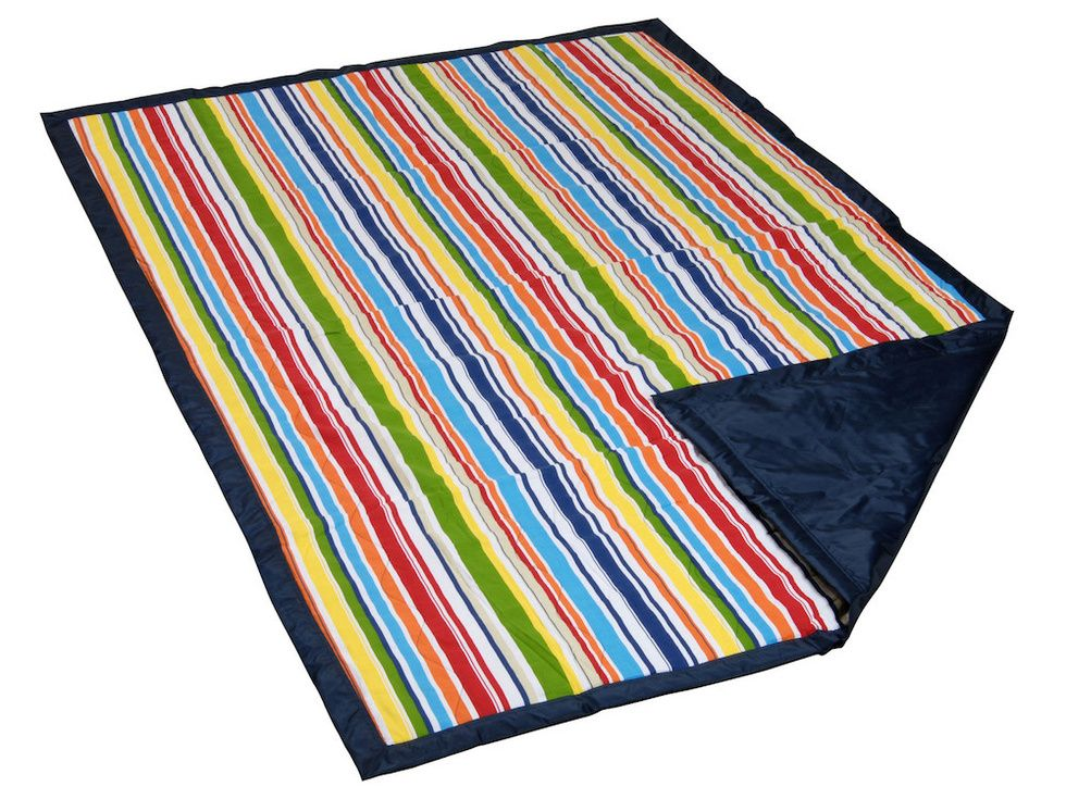 water-resistant beach blanket