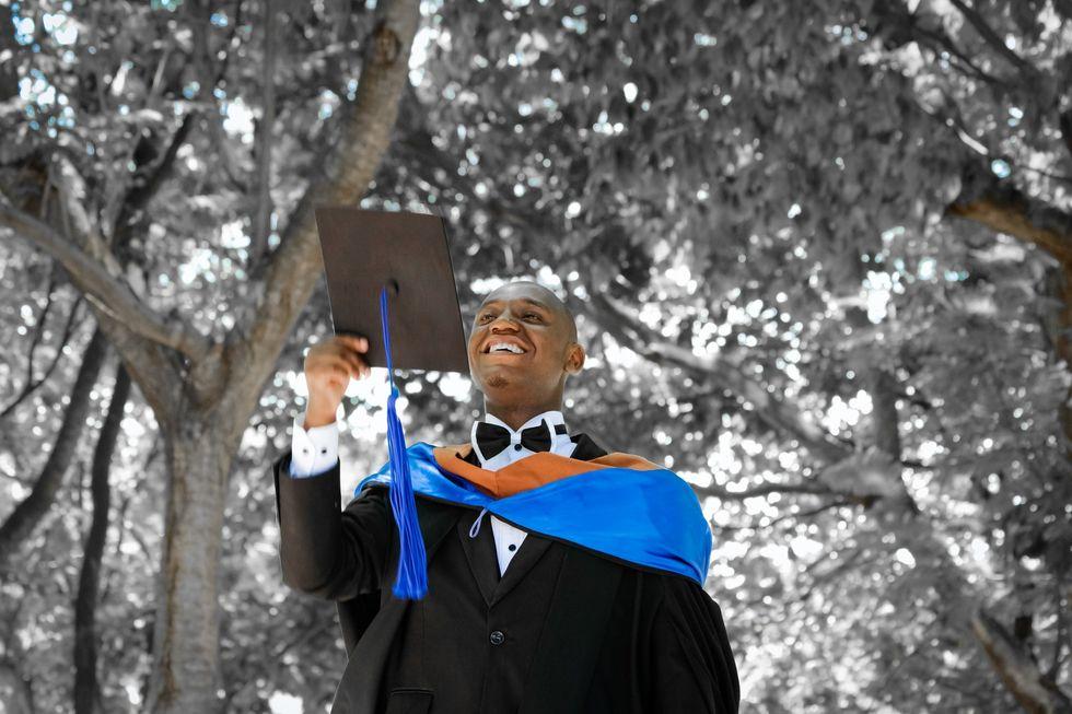 https://pixabay.com/photos/graduation-ceremony-joy-university-2349741/
