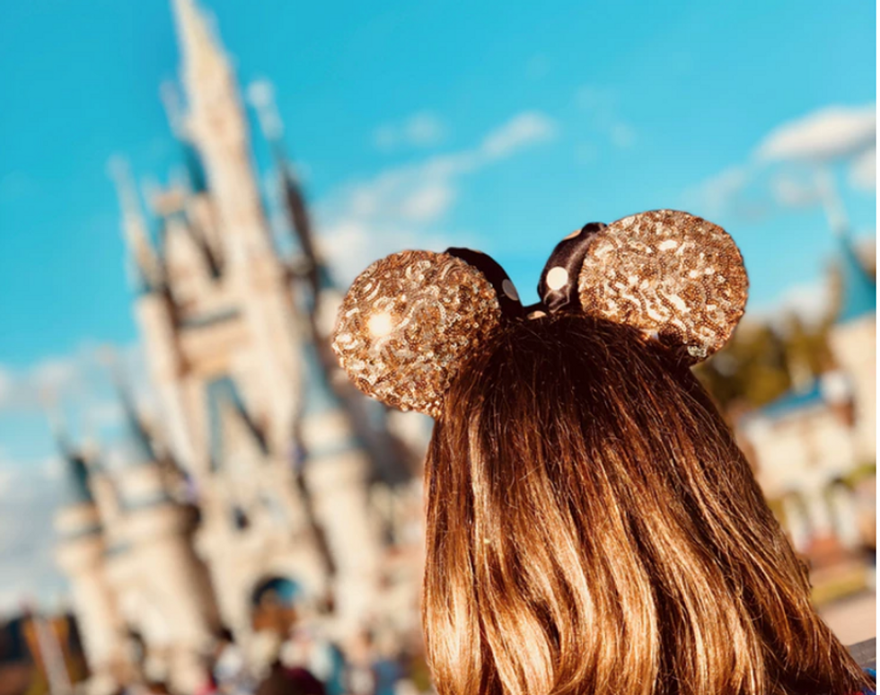 5 Accessories You Absolutely Need To Be Comfortable, Yet Stylish In Disney World